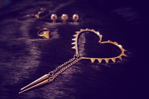 ear cuff heart